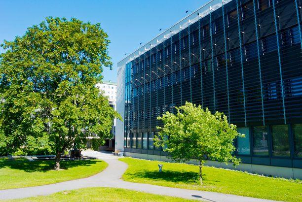 Turun yliopistolla on jo entuudestaan oikeudet diplomi-insinöörien kouluttamiseen tietotekniikassa ja biotekniikassa.