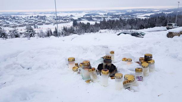 Norjan viranomaiset eivät usko, että Gjerdrumin maanvyöryalueen raunioista löytyy enää eloonjääneitä.