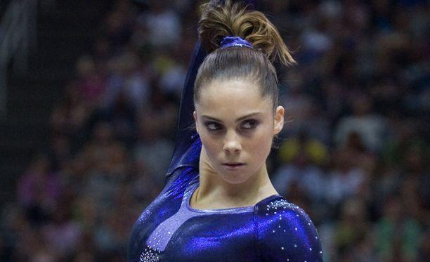 McKayla Maroney oli voittamassa joukkuekilpailun olympiakultaa Lontoossa 2012. Hän voitti samoissa kisoissa myös hypyn olympiahopeaa.
