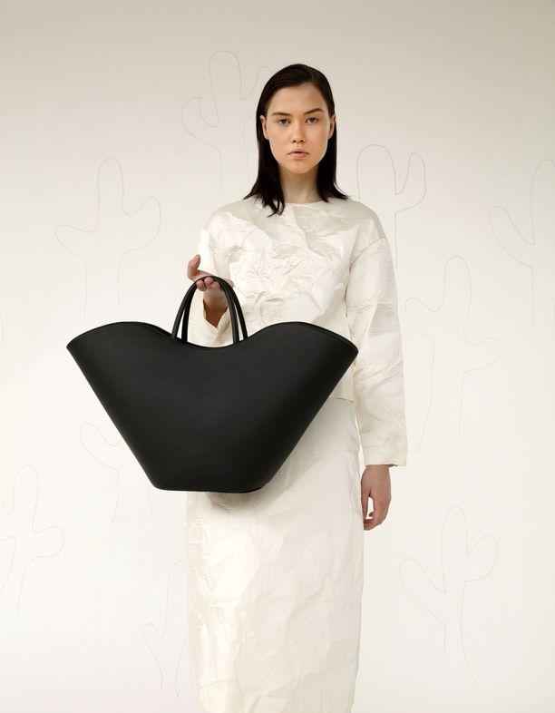 ASK Scandinavian Willow-laukku on jo ennakkotilattavissa. Pre order -malli on sekin tapa tuottaa muotia kestävämmin, ja monesti myös kuluttajalle edullisemmin.