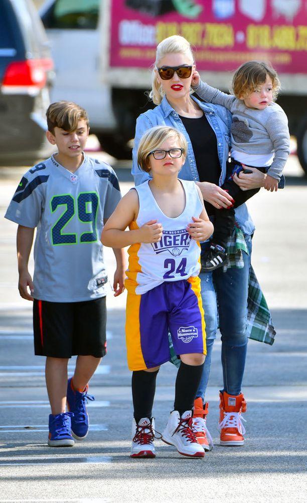 Gwen Stefanin kaksi ensimmäistä poikaa ovat 9- ja 7-vuotiaita. Pienin on vasta vajaa kaksivuotias.