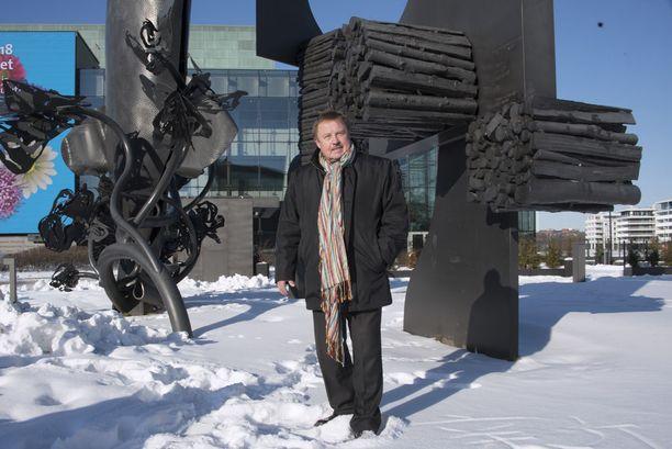 Jukka Linkola on miettinyt käyvänsä ehkä tänä talvena jäällä, mutta hän ei ole sitä vielä varmasti päättänyt.