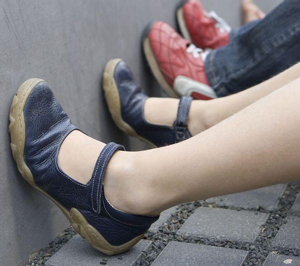 Lapsen jalat kasvavat vauhdilla, joten kengät jäävät nopeasti pieniksi.