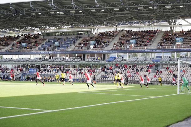 Veikkausliigakausi alkoi, Helsingissä mittaa toisistaan ottivat HIFK ja KuPS.