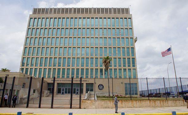 """USA:n Havannan suurlähetystössä yli 20 ihmistä sairastui """"äänihyökkäyksen"""" seurauksena."""