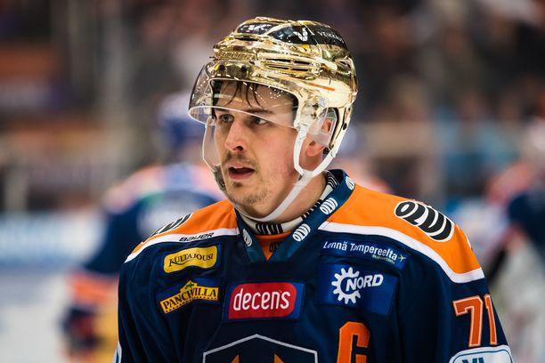 Kristian Kuuselaa eivät ennätykset pudotuspelien tuoksinassa juuri kiinnosta.