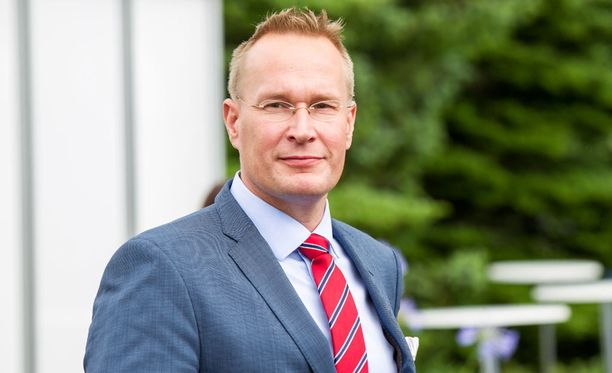 Professori Markku Jokisipilän mukaan äänestäjät ja ehdokkaat keskimäärin heijastavat hyvää suomalaista peruskoulutusta.