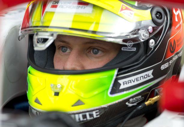 Mick Schumacher joutui keskeyttämään.