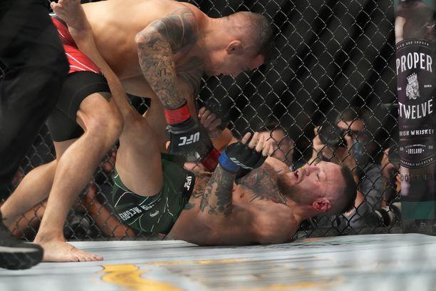 Dustin Poirier oli Conor McGregoria vastaan niskan päällä.
