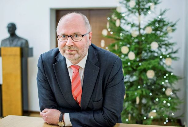Kansanedustaja Eero Heinäluoma (sd) muistuttaa, että politiikassa vaikuttavat sekä pyrky että noste.