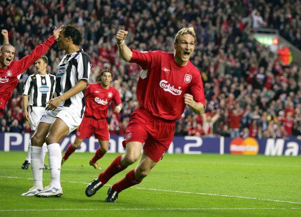 Sami Hyypiä pelasi Liverpoolissa huimat kymmenen vuotta ja oli voittamassa Mestarien liigaa.