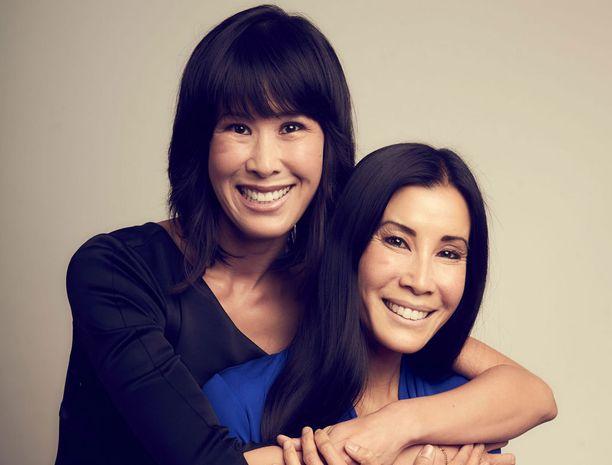 Lingin siskokset kirjoittivat omakohtaisista kokemuksistaan yhdessä kirjan.
