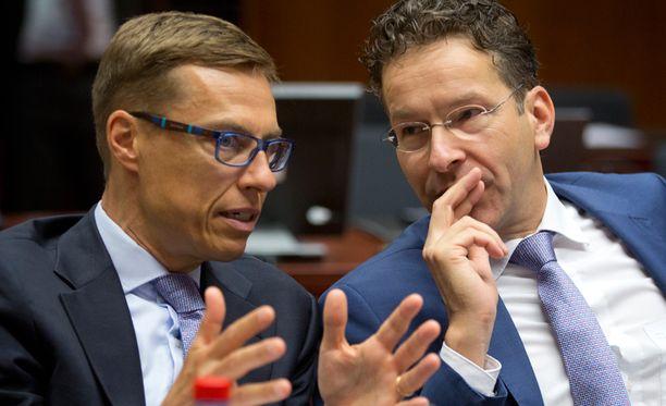 Suomen valtiovarainministeri Alexander Stubb (kok) ja Hollannin valtiovarainministeri Jeroen Dijsselbloem keskustelivat Brysselissä tiistaina.