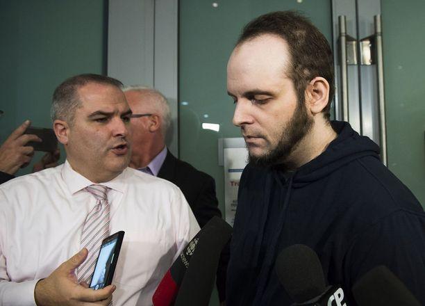 Joshua Boyle kertoi perjantaina lehdistölle perheen koettelemuksesta.