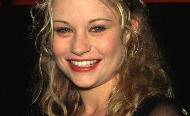 Näyttelijä Emilie de Ravin halusi mukaan suomalaiselokuvaan.