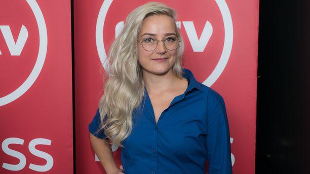 Pilvi Hämäläinen on ollut mukana Putouksesta kahdeksannelta tuotantokaudelta asti. Keväällä 2019 nähtävällä tuotantokaudella Hämäläistä ei nähdä.