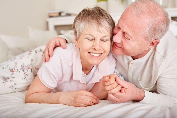 Vakava sairaus hoitoineen on sairastuneelle rankka kokemus, mutta se vaatii voimia myös puolisolta.