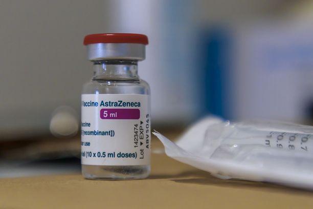 EMA linjasi, että Astra Zenecan rokotetta on turvallista käyttää.