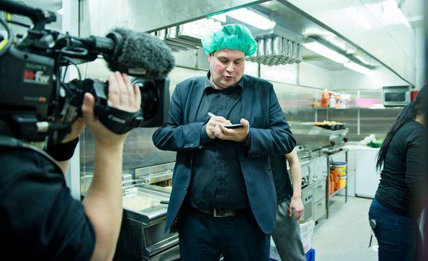 Jethro Rostedtin uusimpia jaksoja kuvattiin keskiviikkona Hook-ravintolassa.