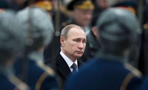 Vladimir Putinin virkakautta on jäljellä vuoteen 2018 saakka.