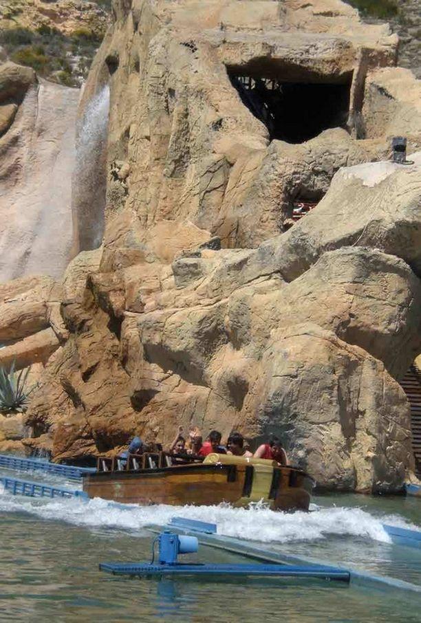 Terra Mitica -huvipuistosta löytyy niin vesilaitteita kuin muitakin huvitteluhärveleitä.