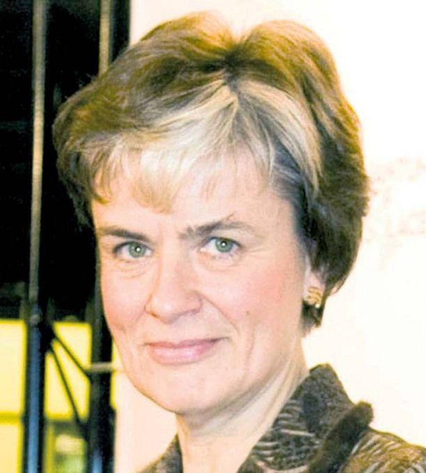 Astrid Thors on puolustanut tiukkaa laillisuutta kiistassa Eveline Fadayalin jäämisestä Suomeen.