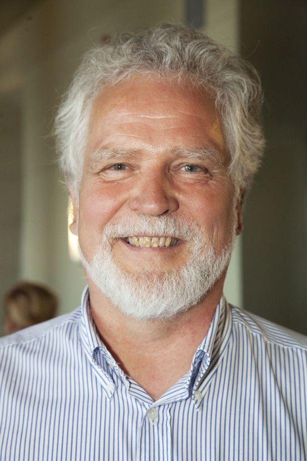 Ex-puheenjohtaja Martti Korhonen on entinen kansanedustaja ja ministeri. Korhonen valittiin juuri valtuustoon Oulussa vasemmistoliiton toiseksi suurimmalla äänimäärällä.