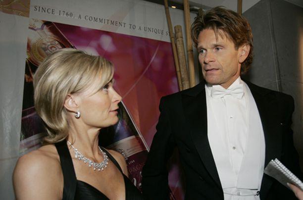Marcus ja Tessa Grönholm saapuivat jatkoille yhdelle.