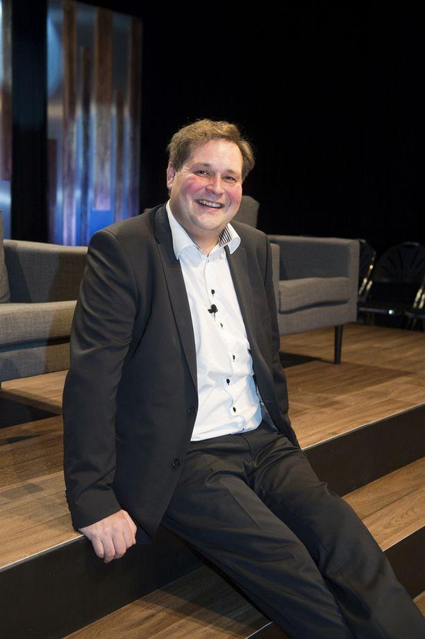 Kilmister on mukana kiinteistövälittäjä Jethro Rostedtin uudessa ohjelmassa. Rostedt ei voinut vielä kommentoida asiaa.