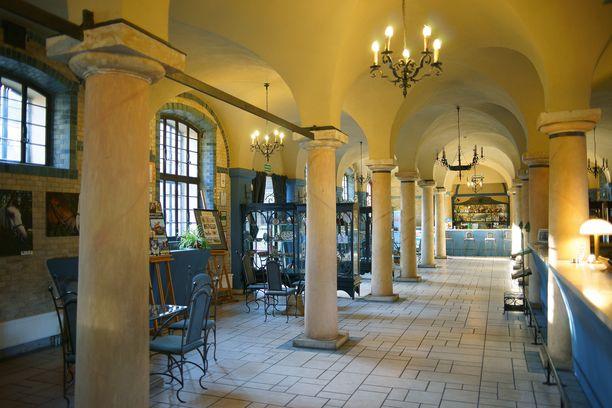 Kliczkówin linnahotellin aula.