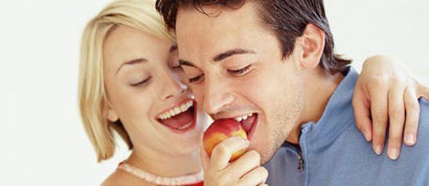 Työmäärää saattaa olla tarpeen suitsia parisuhteen hyväksi esimerkiksi erilaisissa elämän muutosvaiheissa.