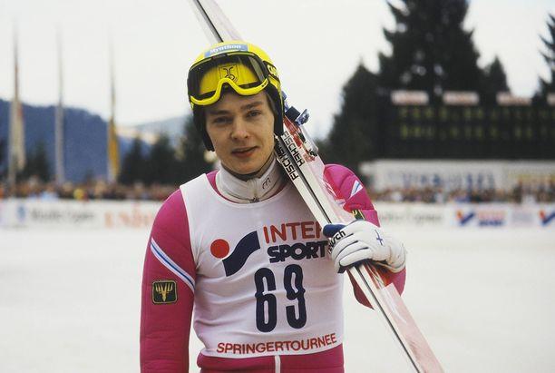 Tuomo Ylipulli mäkihyppykaudella 1987–1988.