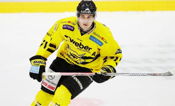 Matti Järvinen teki SaiPan ensimmäisen maalin Kisapuistossa.