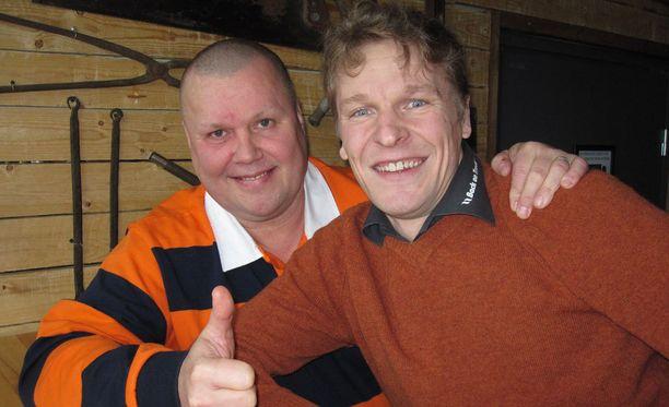 Timo Jutila ja Toni Nieminen laulaa luikauttivat.