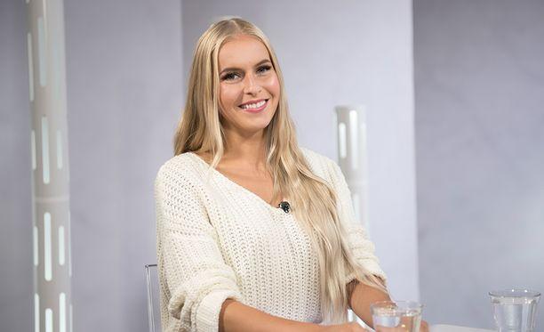 Tältä Alina Voronkovan tukka näytti ennen kampaajakäyntiä.