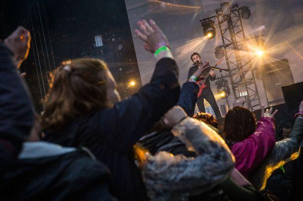 Muse villitsi yleisön Provinssin avauspäivänä.
