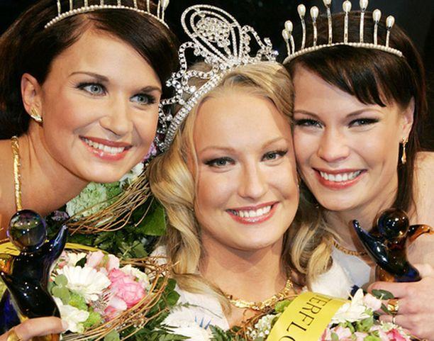 Ninni Laaksonen kruunattiin viime vuonna Miss Suomeksi.