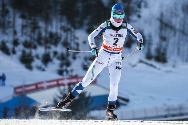 Krista Pärmäkosken urakka vapaan sprintissä päättyi kaatumiseen Lahdessa.
