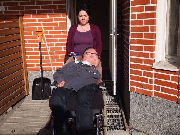 Tanja Parviaisen ja Jussi Aurénin hoitosuhde on kestänyt seitsemän vuotta.