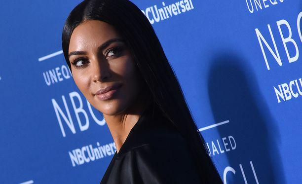 Kim Kardashianin tviitti ei miellyttänyt somekansaa.