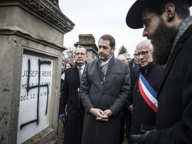 Ranskan sisäministeri Christophe Castaner kävi perjantaina osoittamassa tukensa Herrlisheimin juutalaiselle yhteisölle.