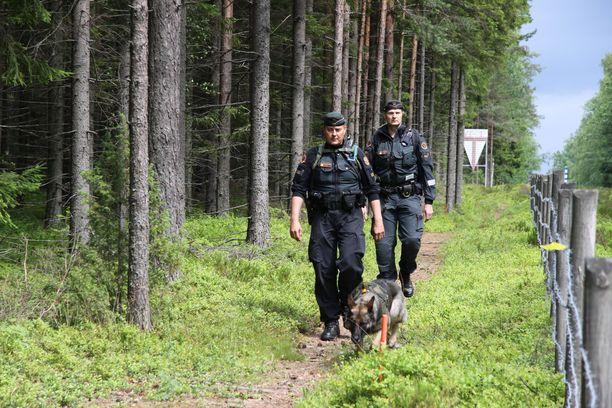 Suomi voisi lähettää Kreikkaan enimmillään 30 rajavalvojaa.
