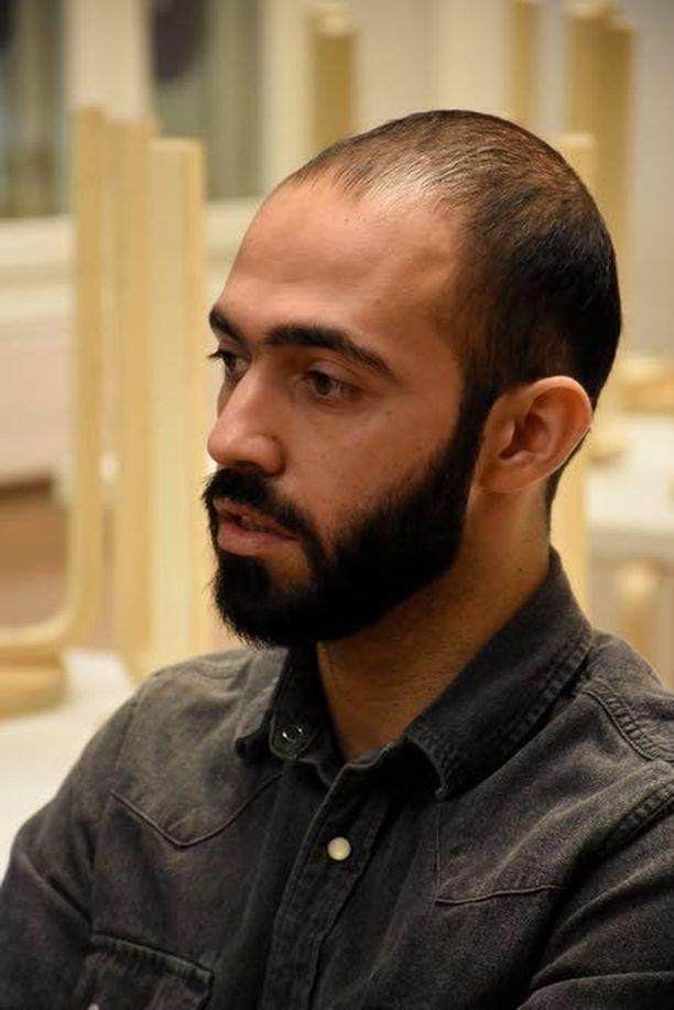 Mustafa teki Irakissa töitä aamusta iltamyöhään ennen kuin hän pakeni kotimaastaan väkivallan takia.