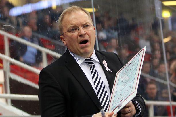 Kalle Kaskinen aloitti TPS:n päävalmentajana 2017.