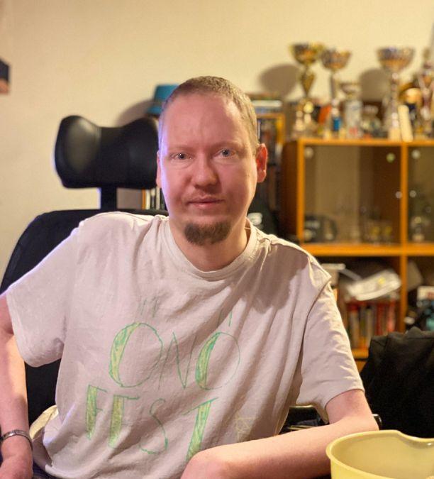 Petri Matikainen, 38, sairastaa harvinaista LGMD-lihassairautta