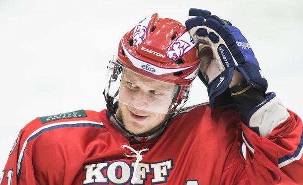 Juuso Puustinen laukoi HIFK:n avausmaalin.