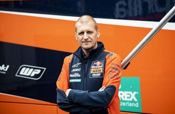 Aki Ajo johtaa Red Bull KTM Ajoa.