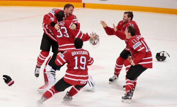 Kanada kukisti Suomen maalein 2-0.