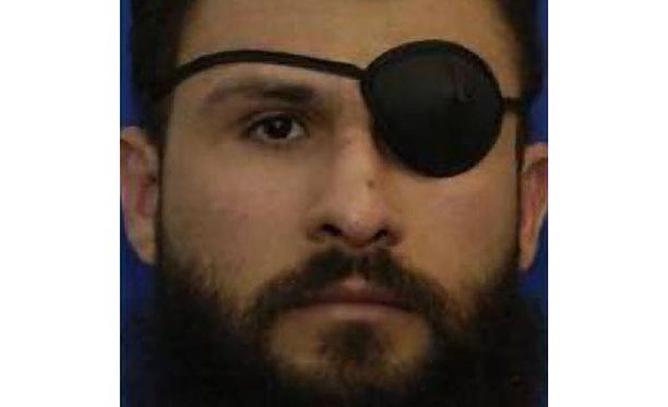 Abu Zubaydah päiväämättömässä kuvassa. Nykyisin hän on 47-vuotias. Hän pitää silmälappua, sillä hänen vasen silmänsä on vammautunut kuulusteluissa.