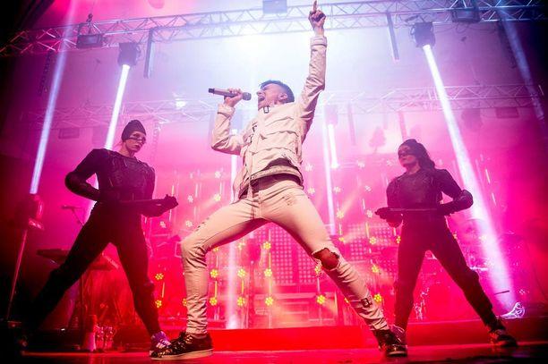 Tuisku sai ensikokemuksen Hartwall Arenasta viime viikonlopun Vain elämää -konsertista, joka oli hänen mukaansa huikea kokemus.
